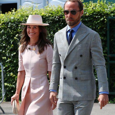 White, Clothing, Suit, Street fashion, Fashion, Snapshot, Dress, Footwear, Formal wear, Walking,