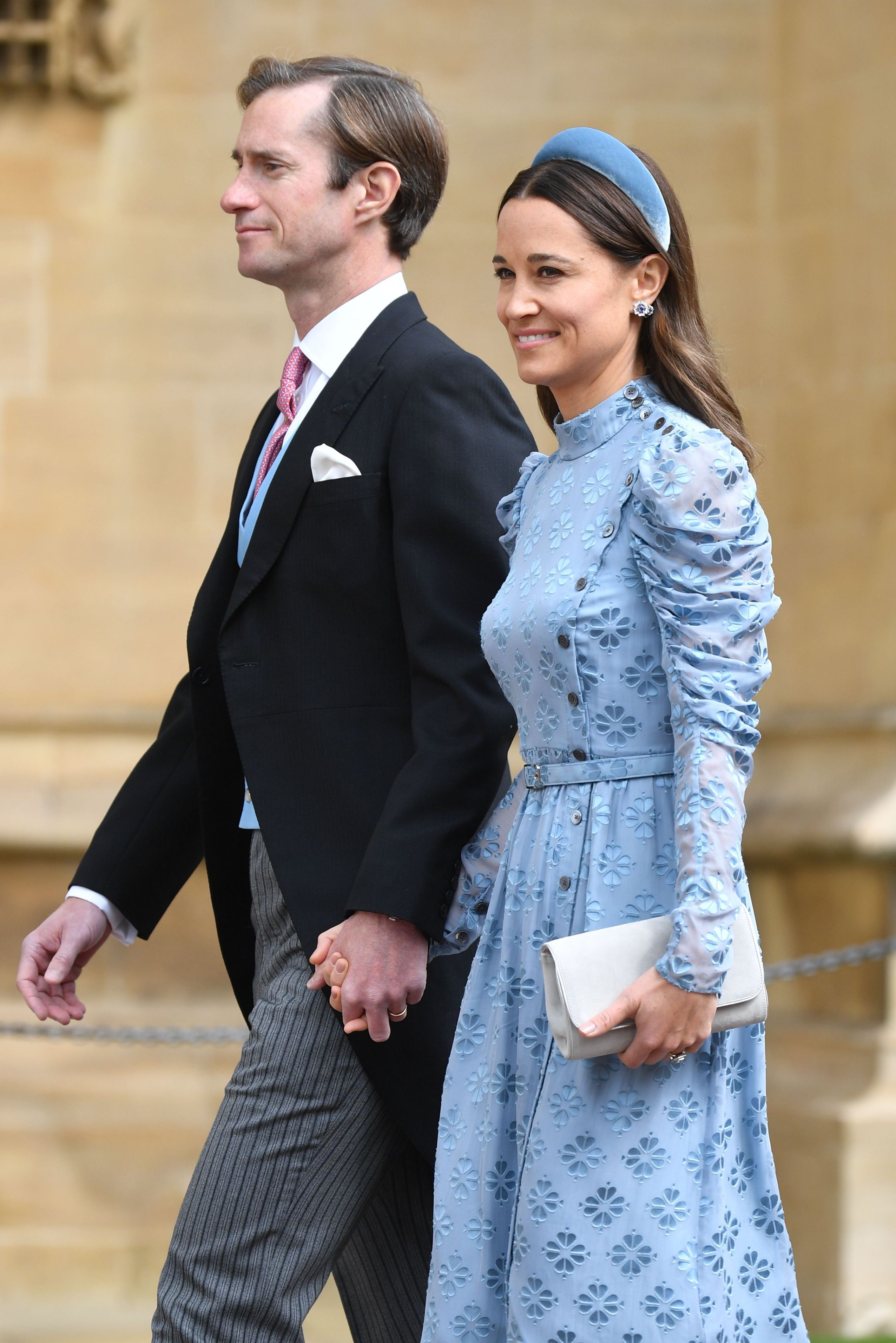Pippa Middleton demonstrates one-tone dressing at Gabriella Windsor's royal wedding