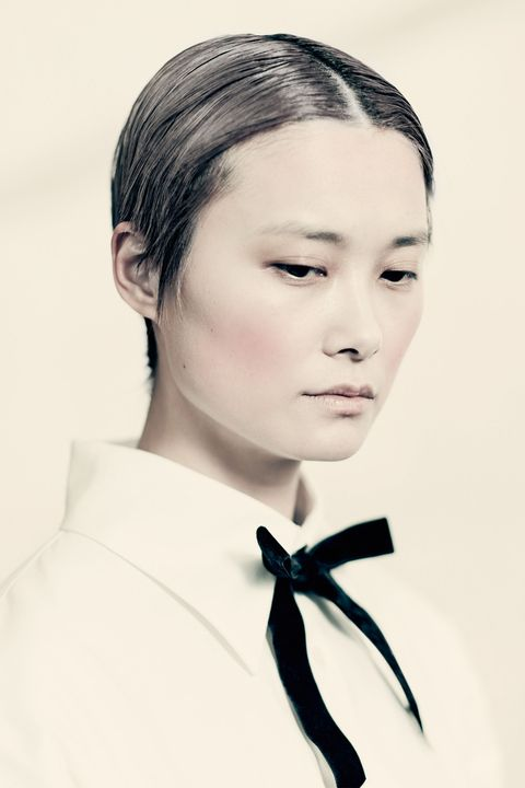 Hair, Face, Eyebrow, Forehead, White, Chin, Hairstyle, Lip, Head, Beauty,