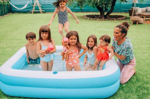 piscina hinchable en el jardín de verdeliss