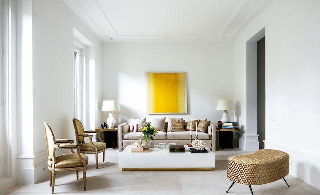 piso chamberi minimalista salon decorado en blanco y en tonos claros