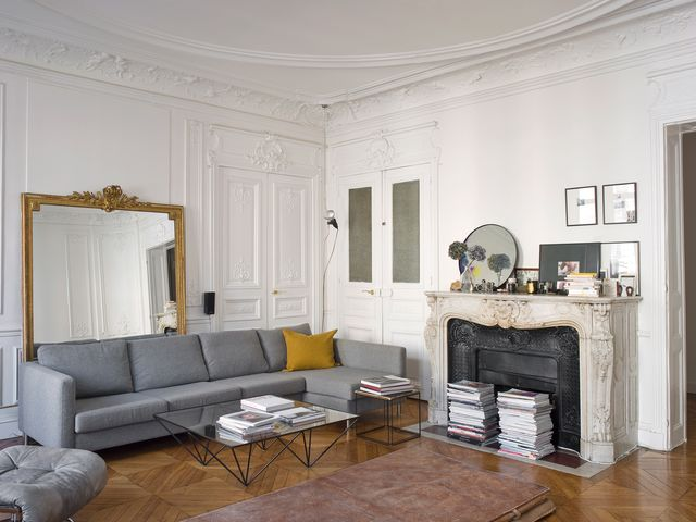 un piso elegante y moderno en le marais, parís, renovado por el estudio festen