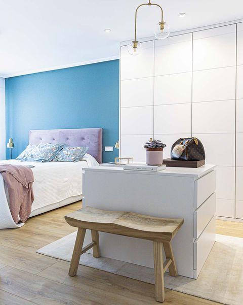 piso reformado en madrid dormitorio con vestidor