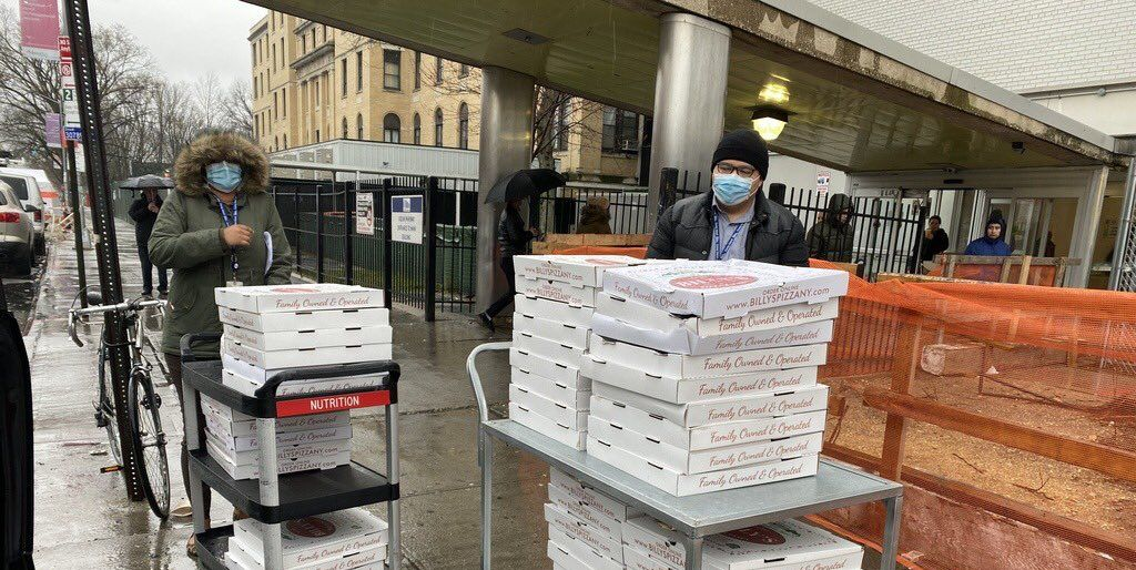 This Group Sends Pizzas From Local Restaurants To Healthcare Workers