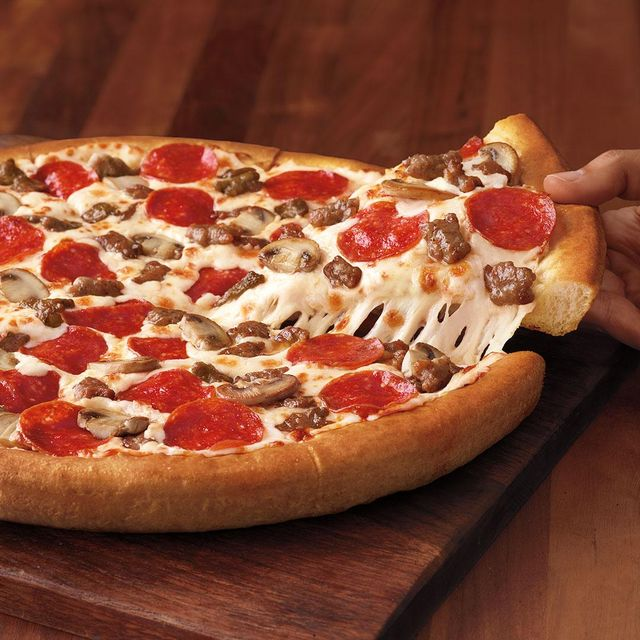 Pizza Hut S Tastemaker Pizza Is A 10 Deal With Hundreds Of Toppings