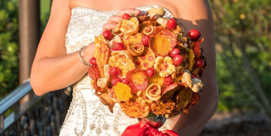 Brides Are Carrying Pizza Bouquets Down The Aisle Instead Of Flowers