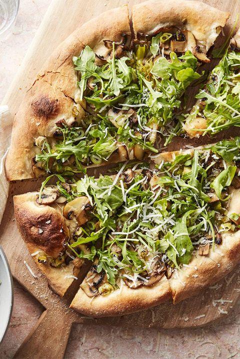 pizza recipes mushroom and arugula salad pizza