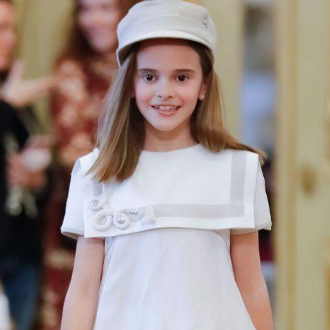 215ce1bcc0 El traje de comunión de niña que ha puesto fin al sexismo - El traje ...