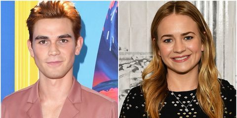 Kj Apa And Britt Robertson Dating Seen Kissing At Comic Con