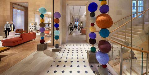 Interior design, Lobby, Building, Architecture, Floor, Room, Tourist attraction, Flooring, Ceiling, House,