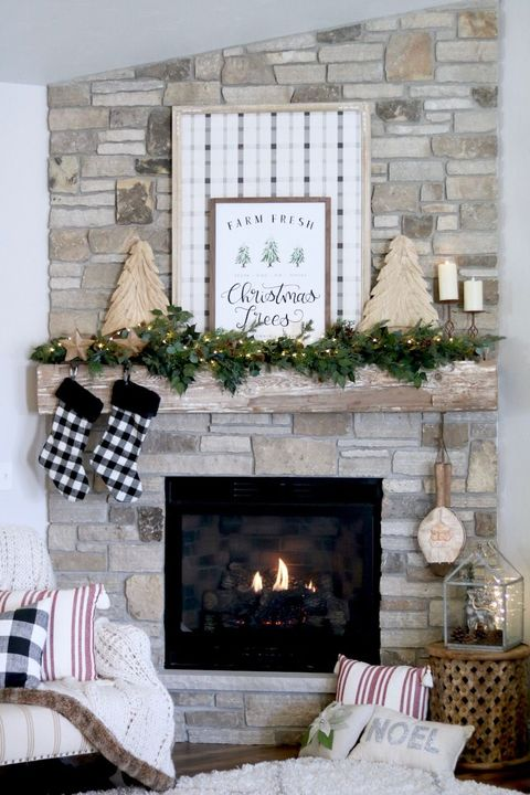 plaid sign diy christmas mantel decor