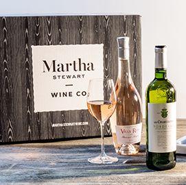 Bottle, Drink, Product, Glass bottle, Wine bottle, Alcoholic beverage, Alcohol, Wine, Distilled beverage, Liqueur,