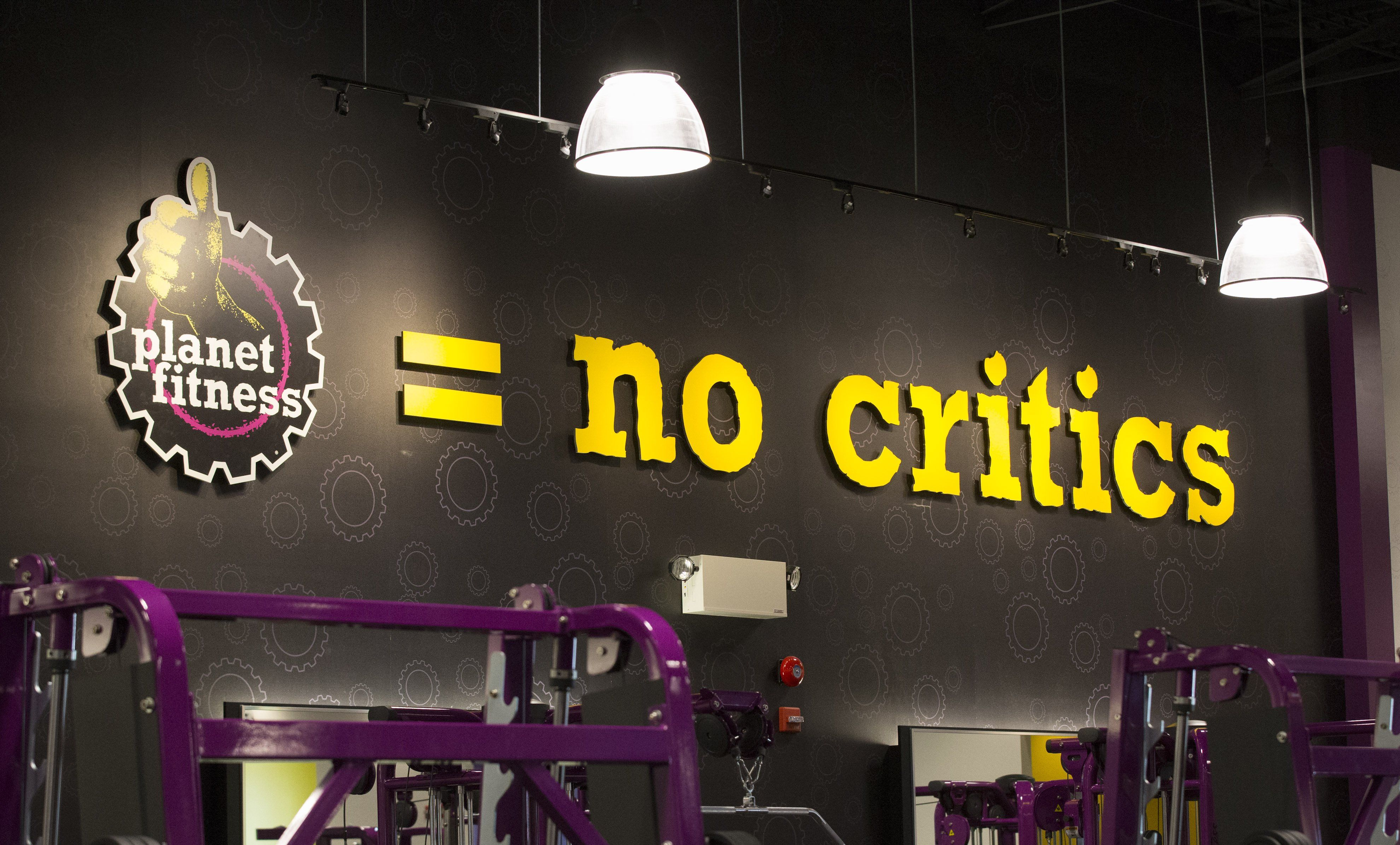A Guy Tried to Do Naked Yoga at Planet Fitness Because It's a 'Judgment  Free Zone'