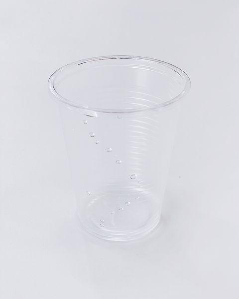 Il bicchiere di plastica del caffè nel 2021 varrà più dell'oro