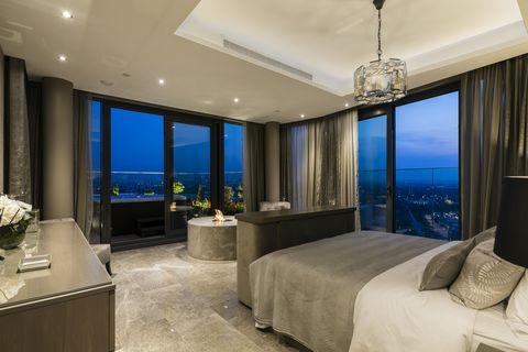 Platinum Penthouse