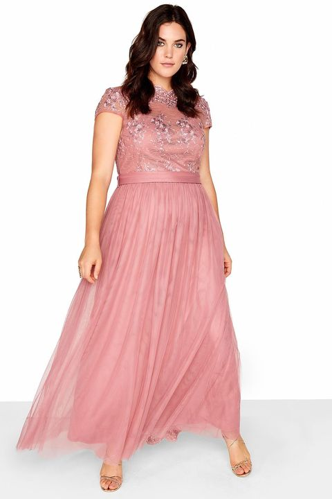 f1b4bd84ed7 Plus Size Prom Dresses 2018 - 17 Of The Best To Make You Feel Like A ...