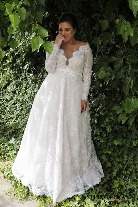 Ashley Graham Wedding.The 9 Best Plus Size Wedding Dress Shops In The Uk