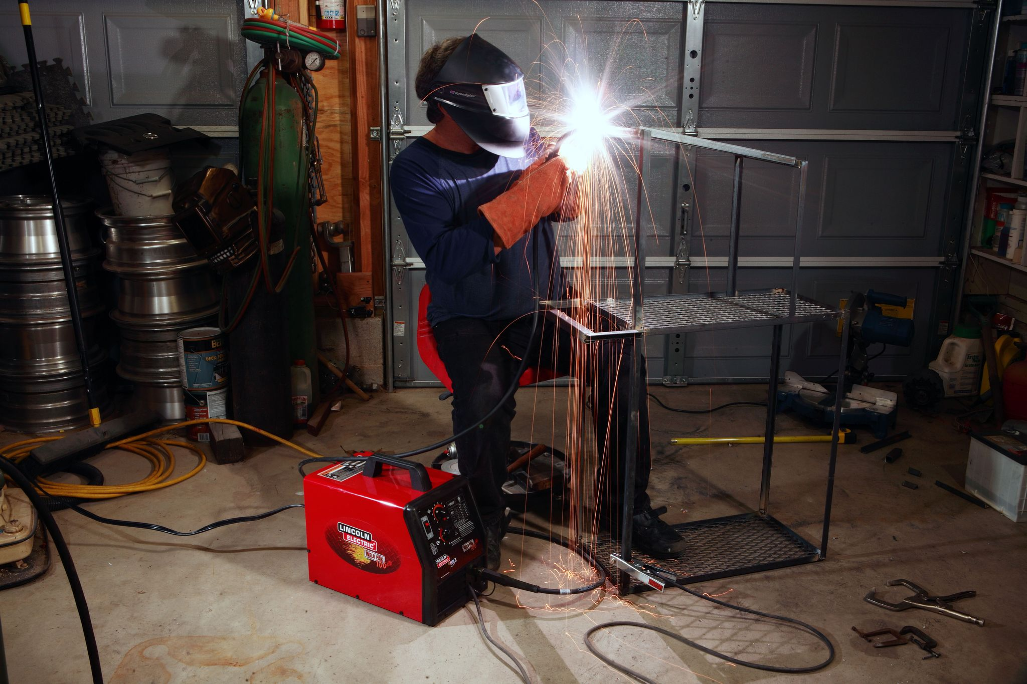 Building This Metal Cart Will Teach You the Basics of Welding