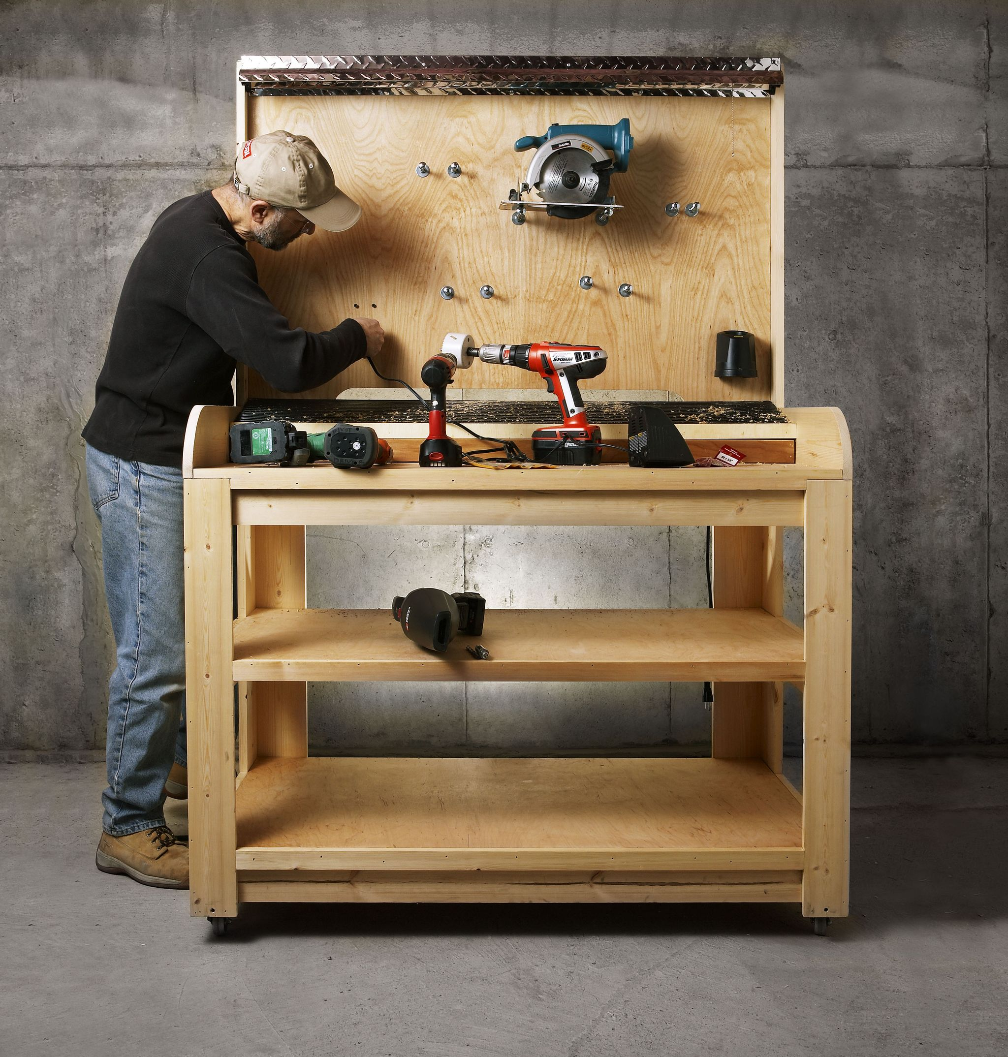 Running Out of Juice? Time To Build a Workshop Charging Station