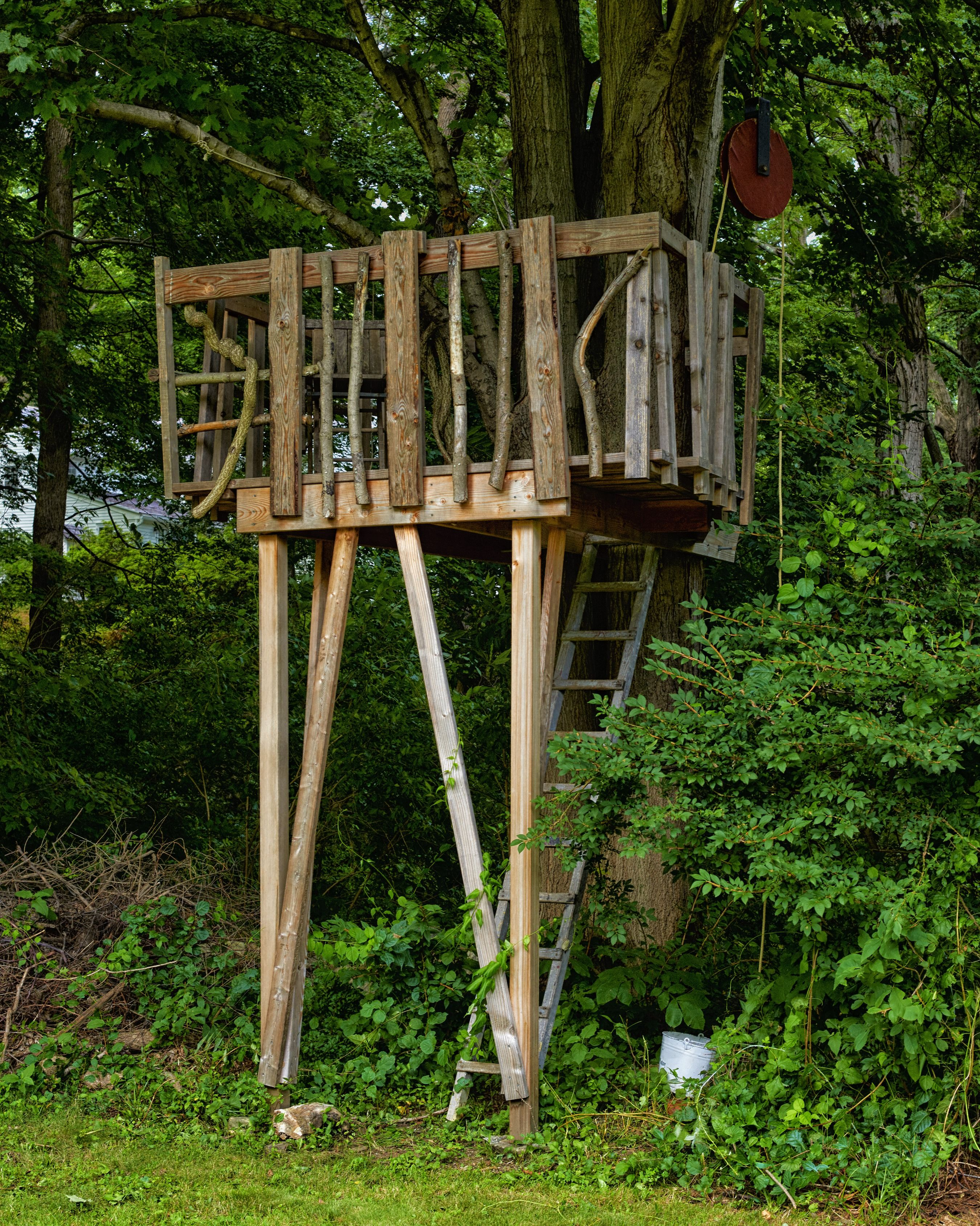how to build a treehouse for your backyard diy tree house plans rh popularmechanics com Treehouse Ideas Treehouse Swing Set Plans