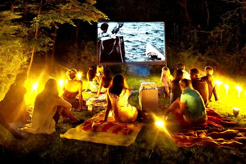 How To Build A Backyard Movie Theater Diy Movie Screen