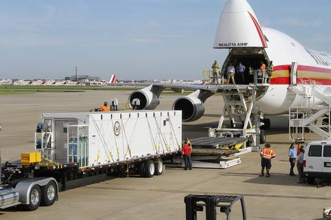 Phoenix Air: The Airplanes That Rescue Ebola Patients