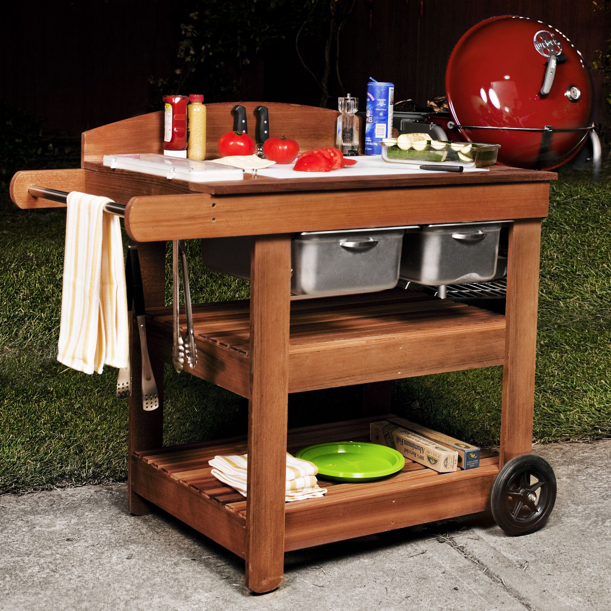 Build This Grill Table as the Ultimate BBQ Sidekick