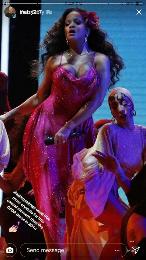 Rihanna S Grammy Dress Had 50 000 More Crystals Than Her