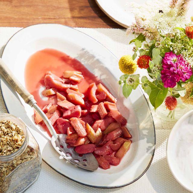 poached rhubarb with yogurt
