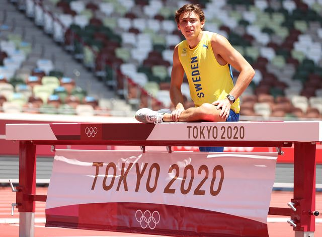 el atleta sueco armond duplantis en tokio 2020