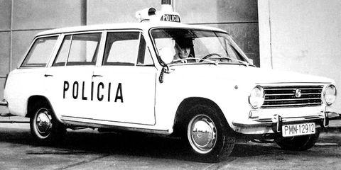 Land vehicle, Vehicle, Car, Classic car, Sedan, Police car, Coupé, Subcompact car, City car,