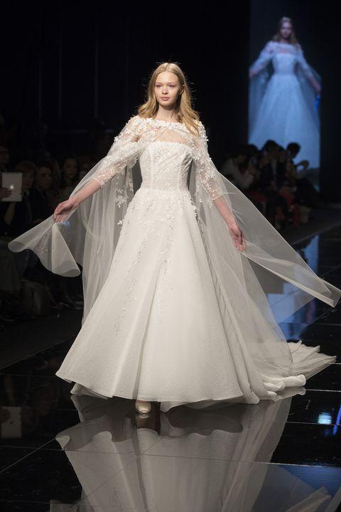 de15a6bdbb5f 20 abiti da sposa dalle sfilate italiane che ti faranno sentire una dea