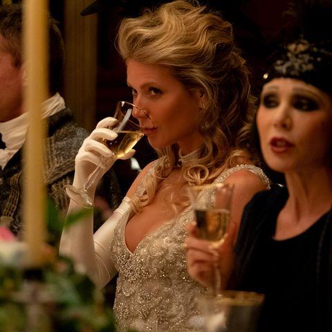 Event, Fashion, Headpiece, Tiara, Performance, Dress, Ceremony, Singing, Wedding, Fashion accessory,