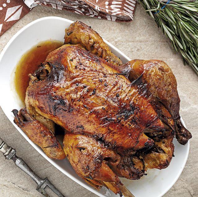 pollo al horno marinado con aroma a carbón
