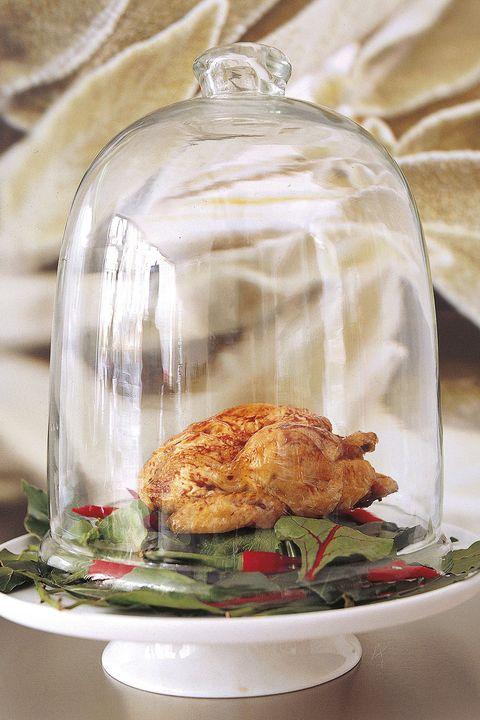 pollo asado sobre lecho picante