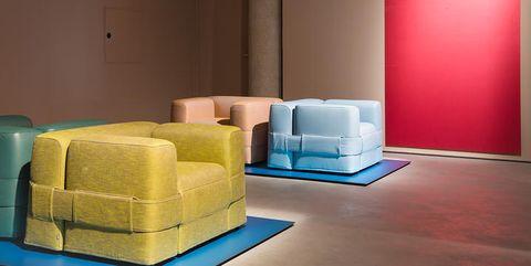 Poltrone E Divani Design.Poltrone E Divani Di Design Negli Store Di Via Durini