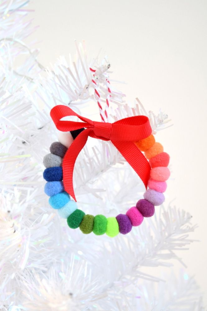 pom pom wreath homemade christmas ornament