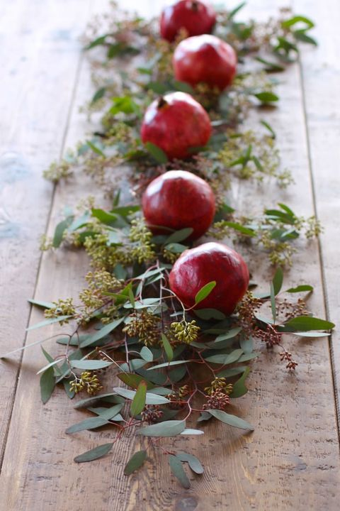 pomegranate tablescape diy christmas table decor