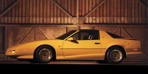 Land vehicle, Car, Vehicle, Yellow, Motor vehicle, Coupé, Pony car, Performance car, Hood, Automotive design,