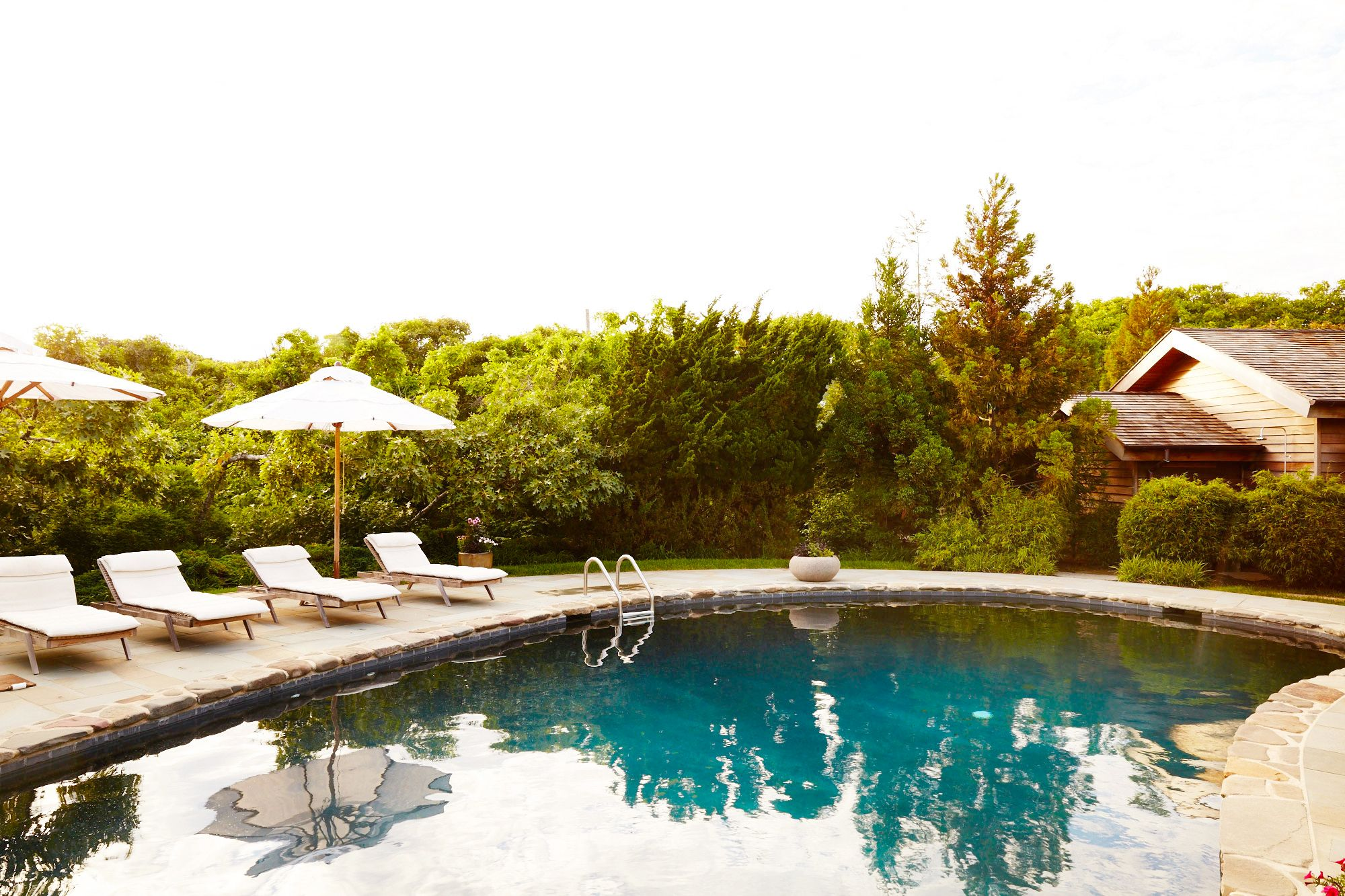 14 Pool Deck Ideas For Summer Lounging Pool Deck Designs