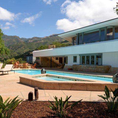 Property, Swimming pool, Building, House, Real estate, Resort, Estate, Leisure, Villa, Leisure centre,