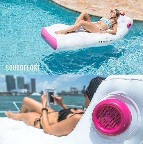 Leg, Swimming pool, Leisure, Thigh, Bikini, Fun, Aqua, Arm, Swimwear, Muscle,
