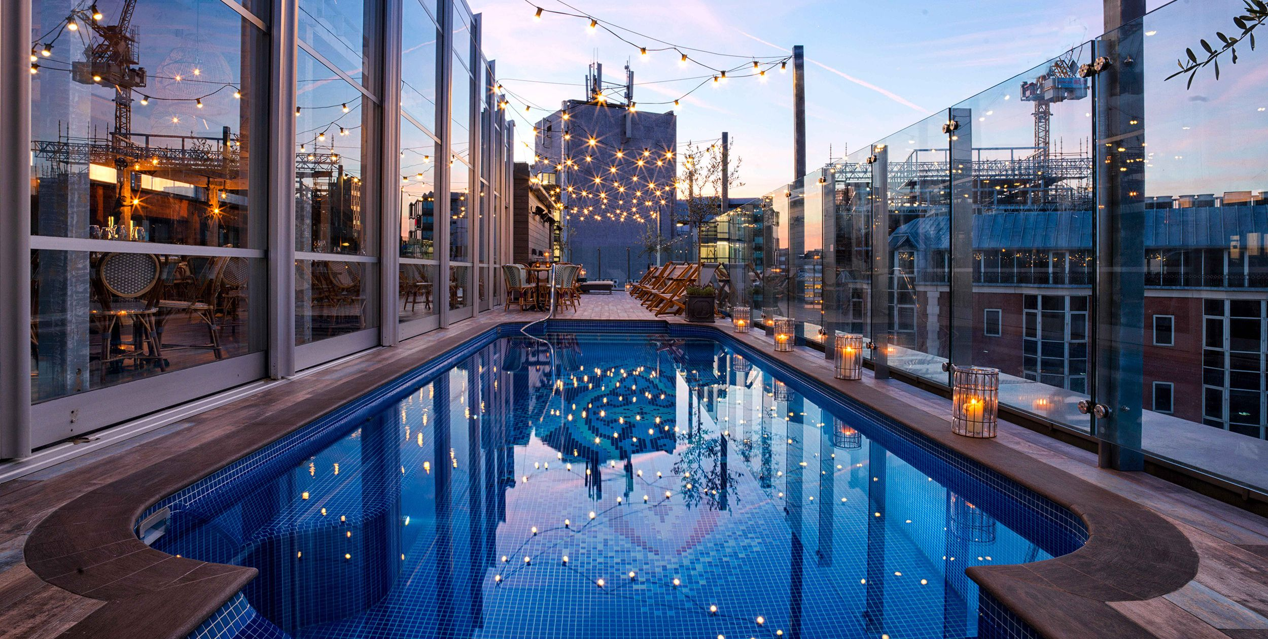 London hotels with pools - The Curtain
