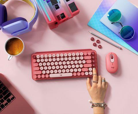 羅技 pop keys 首創「emoji 鍵盤」可愛爆擊!8種表情鍵、3款夢幻色+復古小圓鍵必收