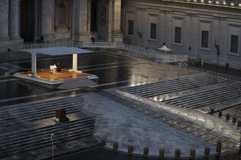TOPSHOT-VATICAN-RELIGION-POPE-HEALTH-VIRUS