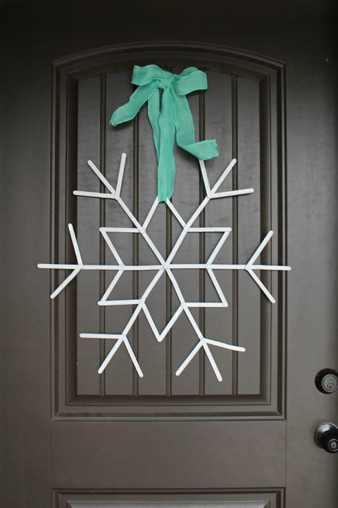 diy holiday crafts   popsicle stick snowflake