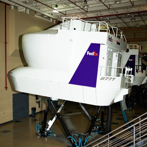 7f739893727ca An enormous room at FedEx s Memphis superhub contains realistic flight  simulators to train pilots on every type of airplane FedEx flies.