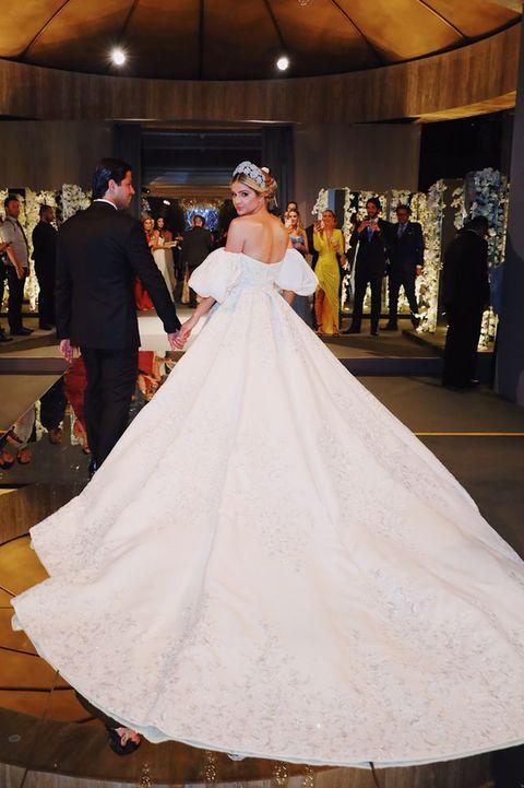 ブラジリアンインフルエンサー 豪華婚 ターシャ・ナーヴィス ウエディングドレス ラルフ&ルッソ