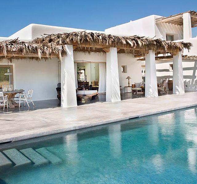 casa típica payesa en ibiza   porche con piscina