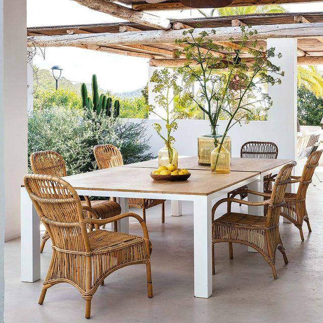 mesas para comer en el porche o el jardín   comedor con sillones de fibra